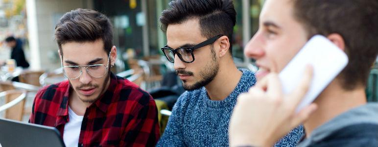 jovenes empresarios buscan franquicias